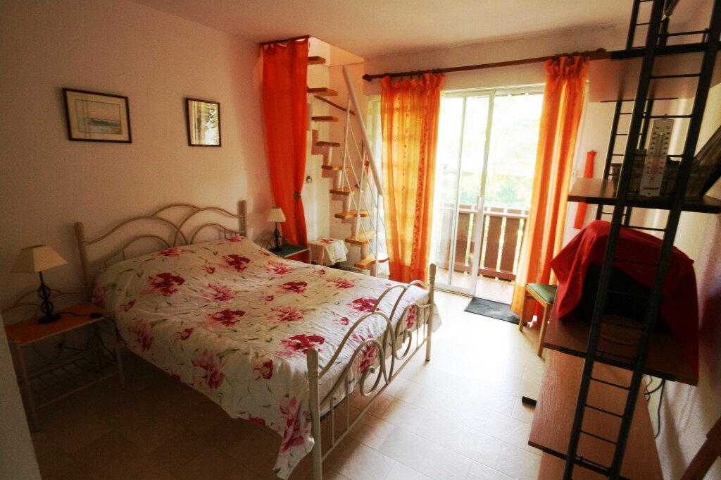 Appartement à vendre 2 34m2 à Saint-Georges-de-Didonne vignette-4