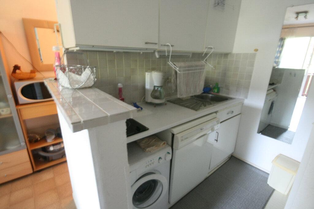 Appartement à vendre 2 34m2 à Saint-Georges-de-Didonne vignette-5