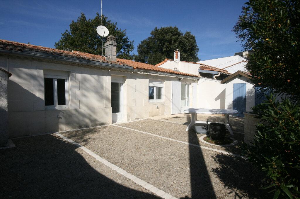 Maison à vendre 3 56.93m2 à Saint-Georges-de-Didonne vignette-2