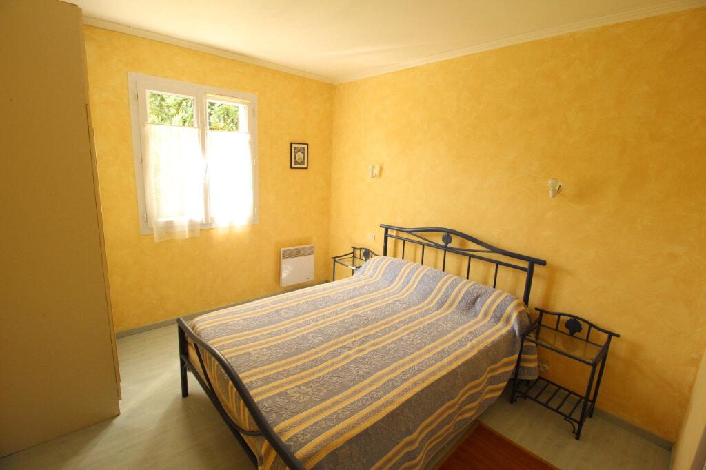 Maison à vendre 5 106.37m2 à Semussac vignette-6