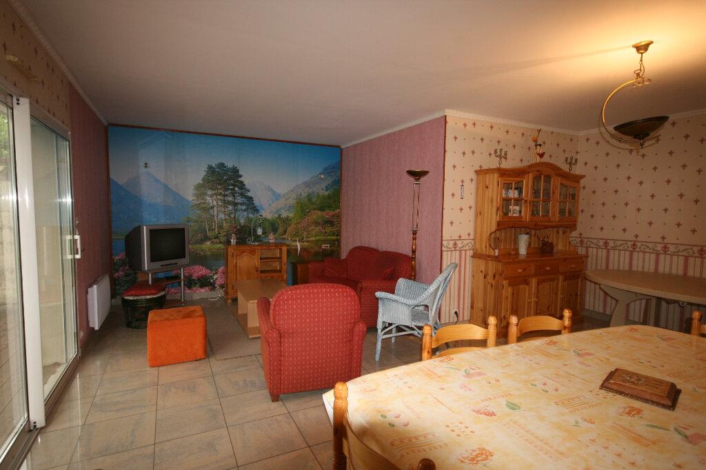 Maison à vendre 5 106.37m2 à Semussac vignette-13