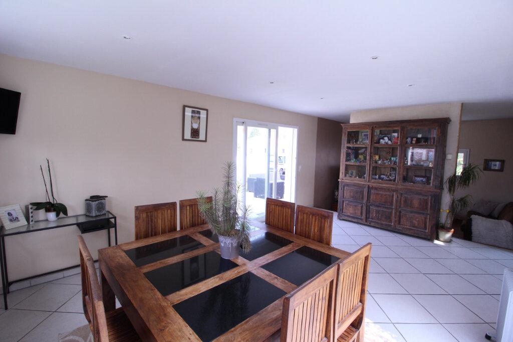 Maison à vendre 5 160m2 à Royan vignette-2