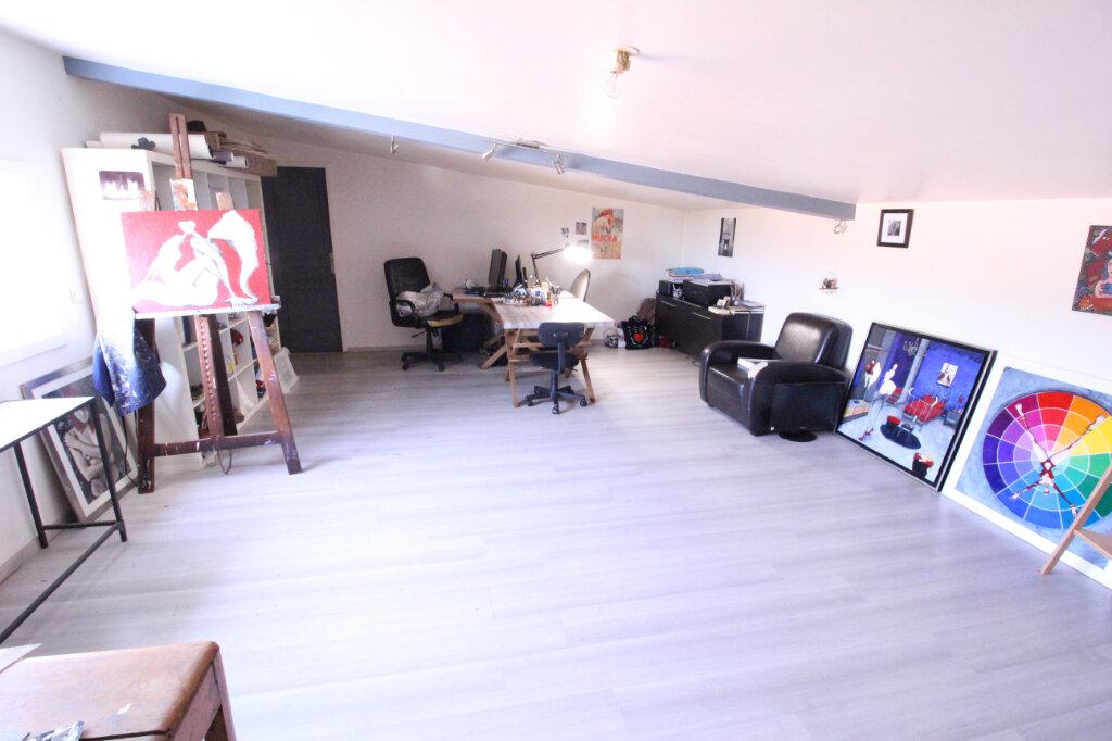 Maison à vendre 5 160m2 à Royan vignette-8