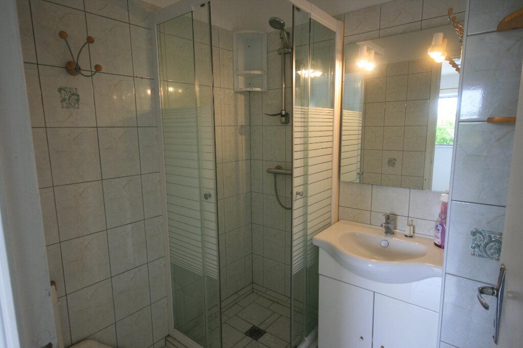 Appartement à louer 2 35.3m2 à Meschers-sur-Gironde vignette-4