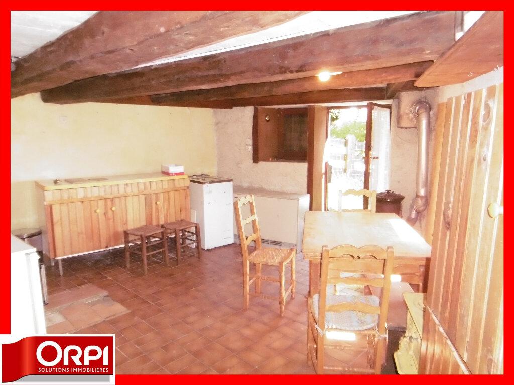 Maison à vendre 7 136.59m2 à Ambert vignette-9