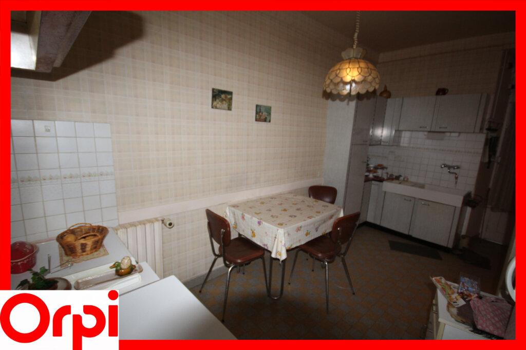 Maison à vendre 7 124.9m2 à Saint-Germain-Lembron vignette-6