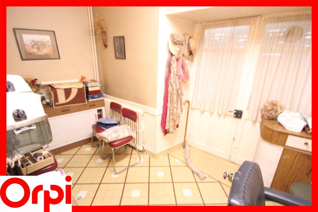 Maison à vendre 7 124.9m2 à Saint-Germain-Lembron vignette-8