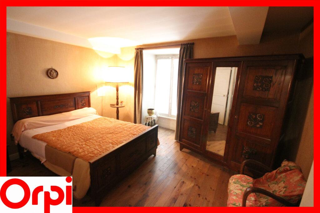 Maison à vendre 7 124.9m2 à Saint-Germain-Lembron vignette-9