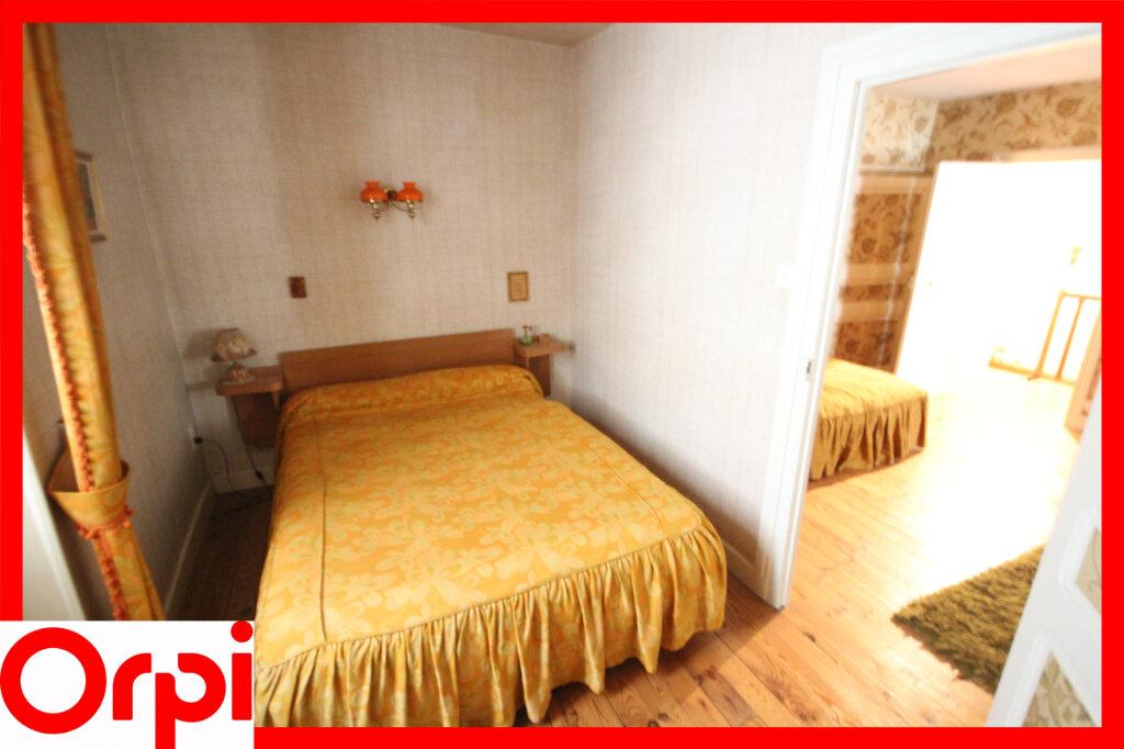 Maison à vendre 7 124.9m2 à Saint-Germain-Lembron vignette-12