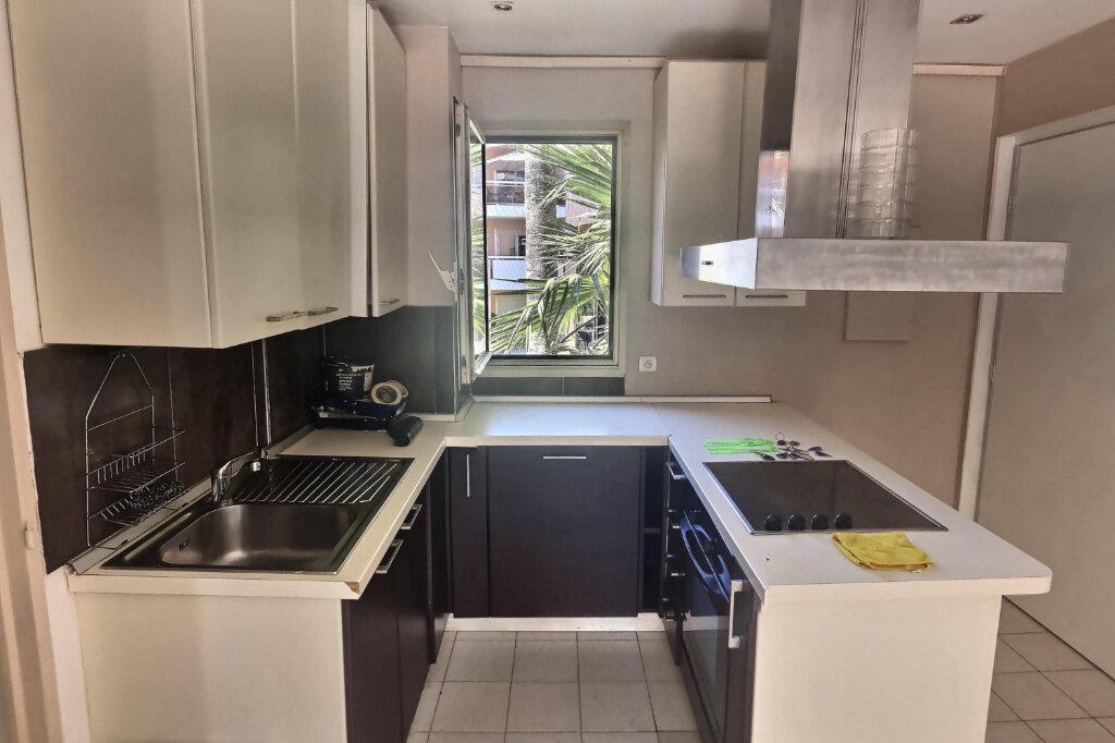 Appartement à louer 3 41m2 à Golfe Juan - Vallauris vignette-4