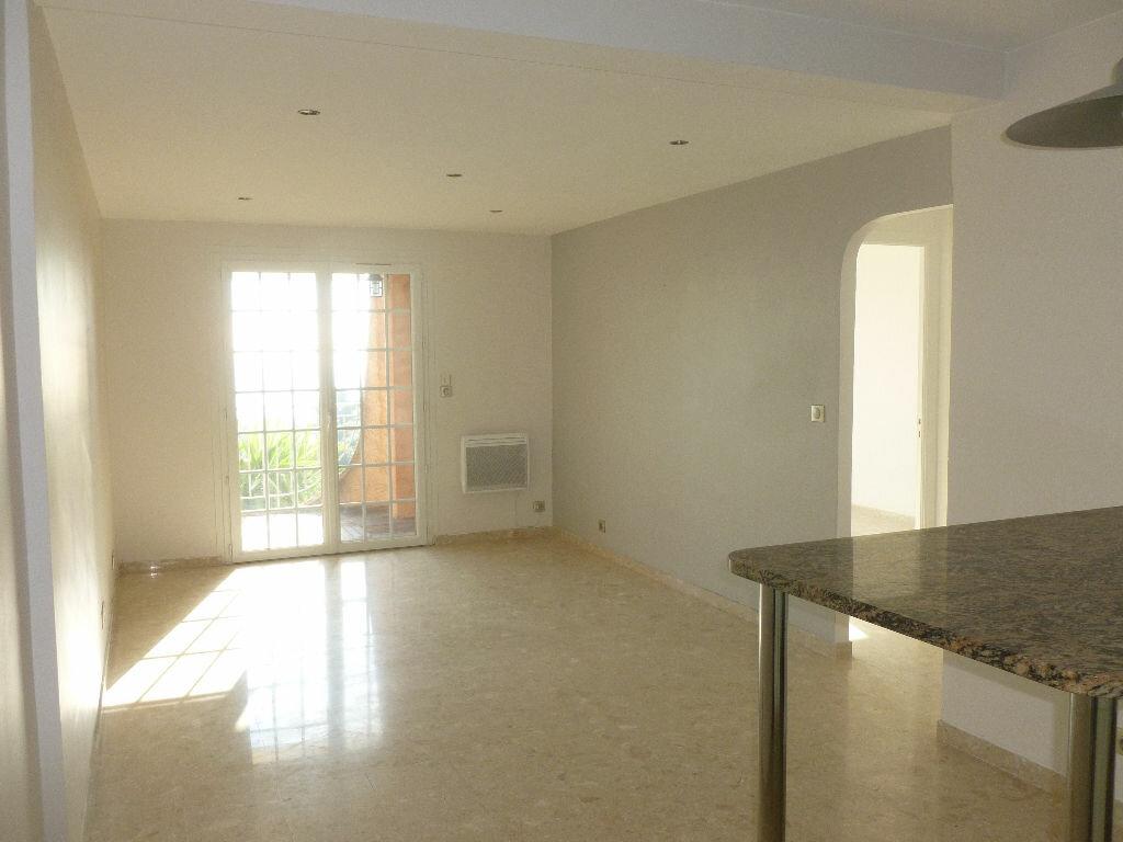 Appartement à louer 2 49m2 à Golfe Juan - Vallauris vignette-3