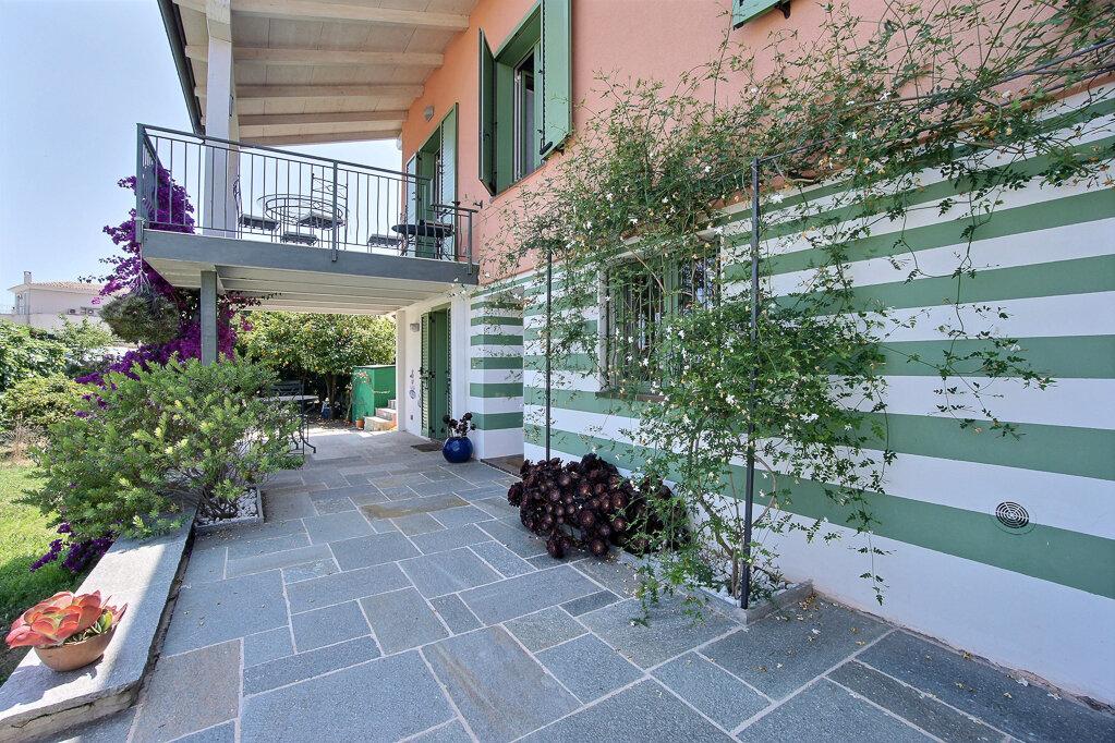 Maison à vendre 5 110m2 à Golfe Juan - Vallauris vignette-6