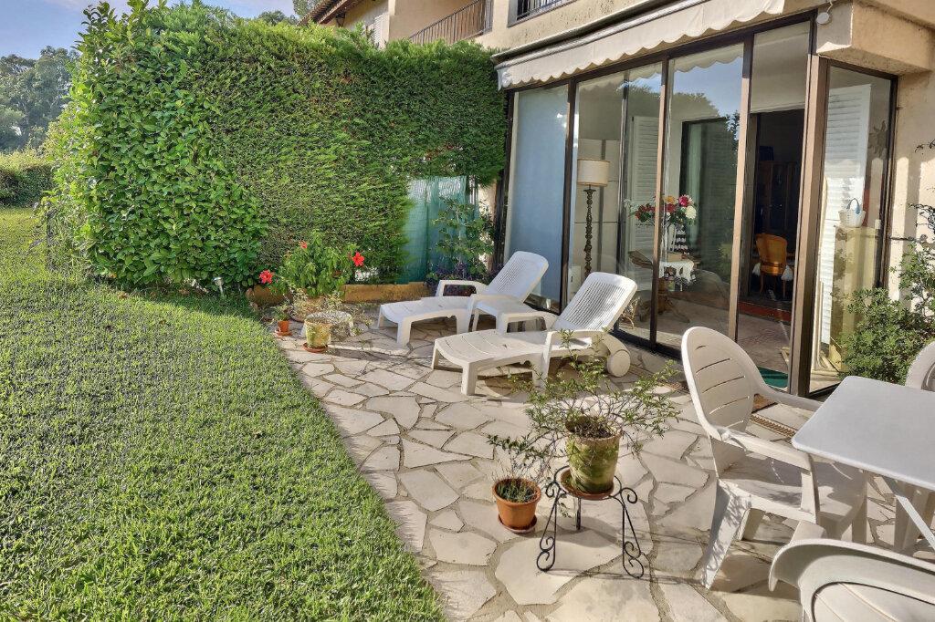 Appartement à vendre 3 81m2 à Villeneuve-Loubet vignette-2