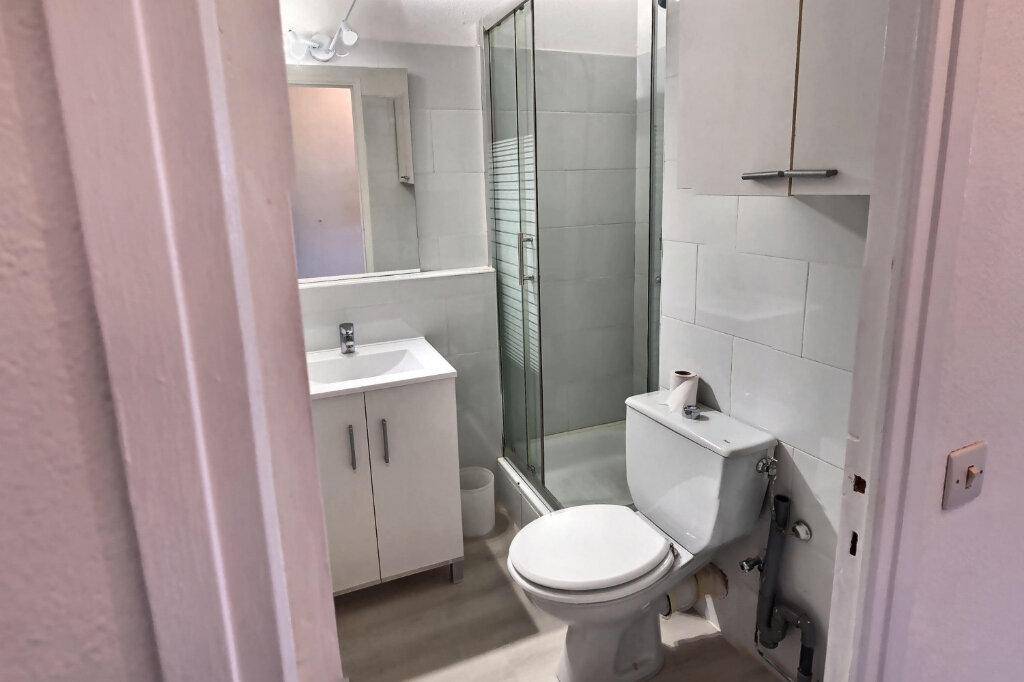 Appartement à louer 1 20m2 à Antibes vignette-4
