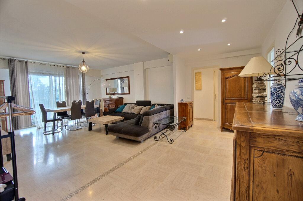 Appartement à vendre 4 101m2 à Antibes vignette-1