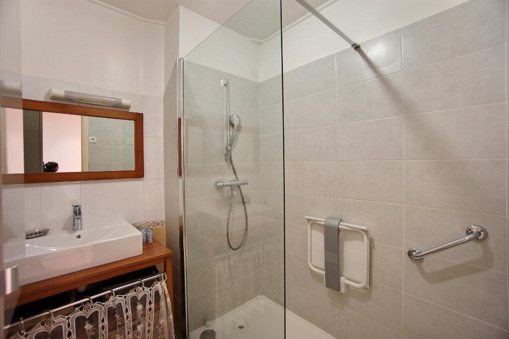 Appartement à vendre 4 101m2 à Antibes vignette-8