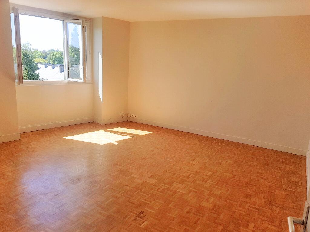 Appartement à louer 2 53m2 à Versailles vignette-1