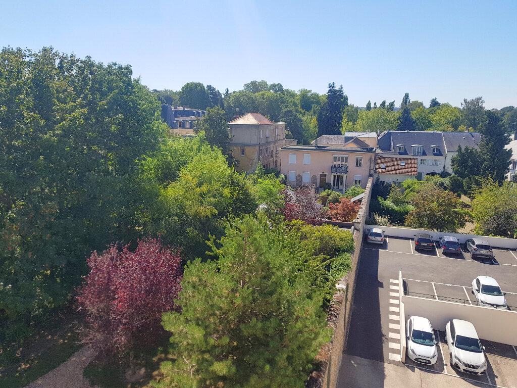 Appartement à louer 2 53m2 à Versailles vignette-2