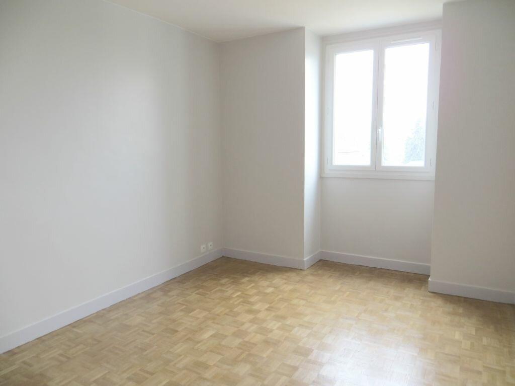 Appartement à louer 2 53m2 à Versailles vignette-5