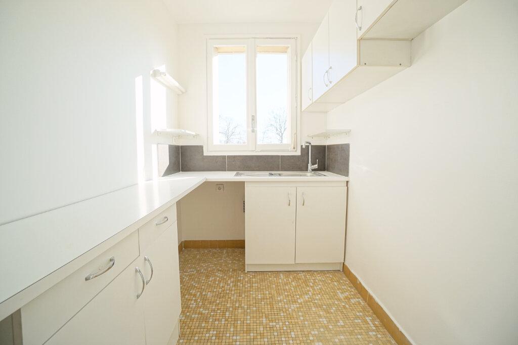 Appartement à vendre 2 55.27m2 à Versailles vignette-2