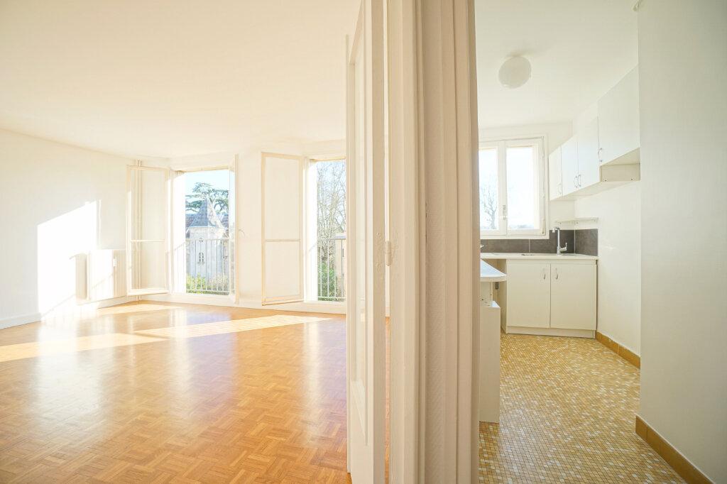 Appartement à vendre 2 55.27m2 à Versailles vignette-3
