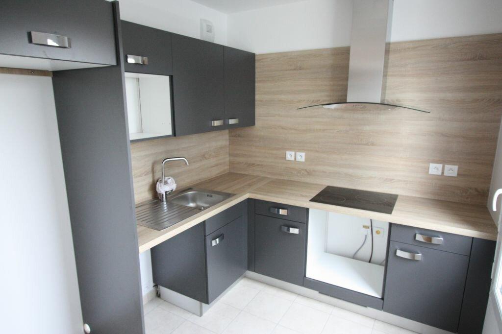 Appartement à louer 3 74.88m2 à Châtenay-Malabry vignette-3
