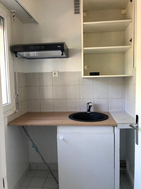 Appartement à louer 1 28m2 à Antony vignette-1