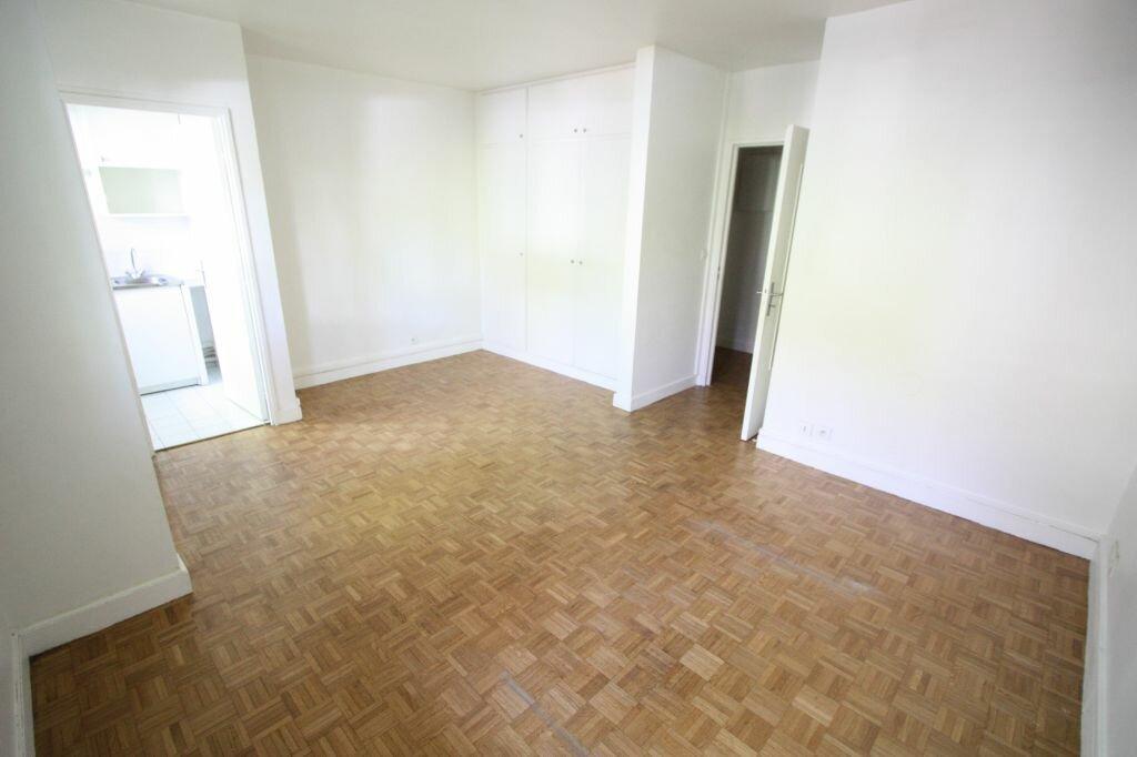 Appartement à louer 1 28m2 à Antony vignette-3
