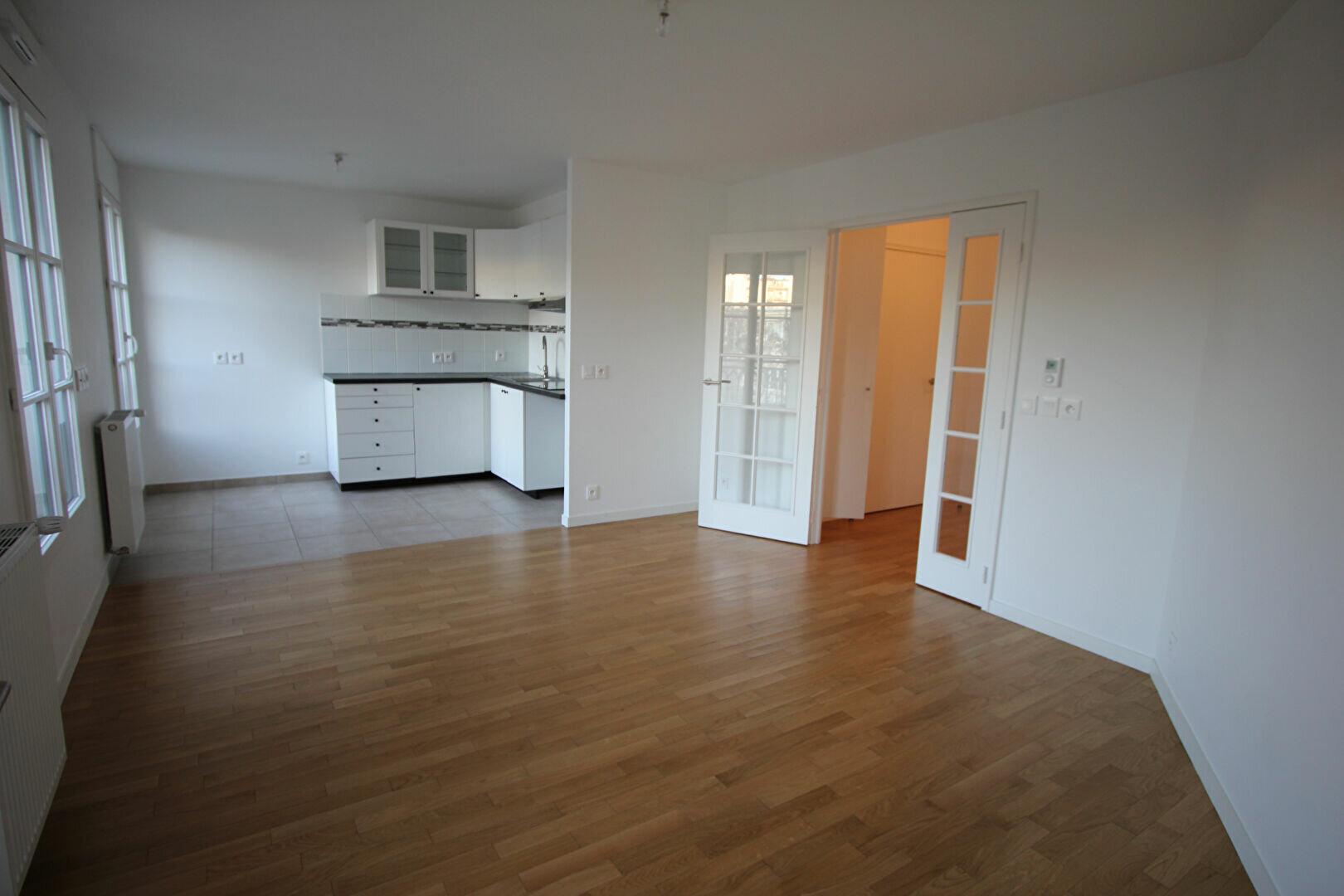 Appartement à louer 2 48m2 à Le Plessis-Robinson vignette-1