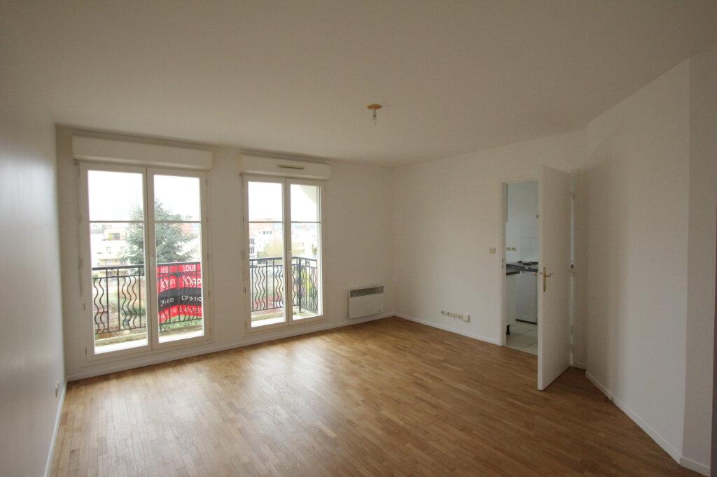 Appartement à louer 2 42.63m2 à Le Plessis-Robinson vignette-1