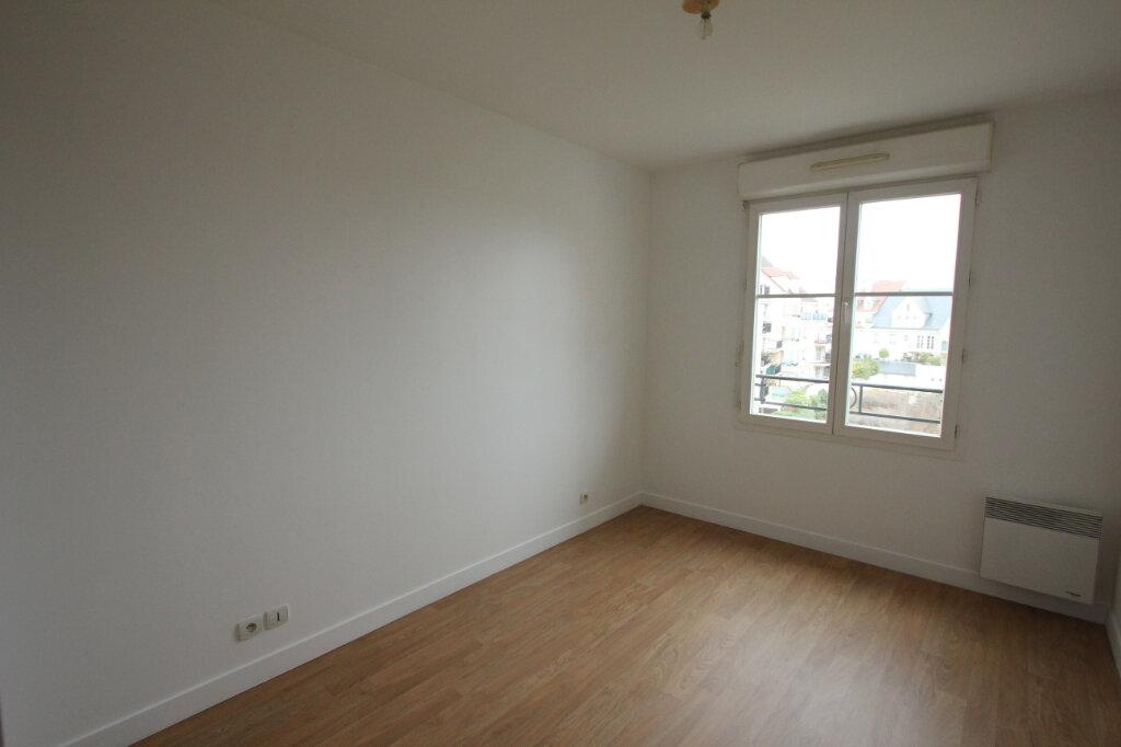 Appartement à louer 2 42.63m2 à Le Plessis-Robinson vignette-3