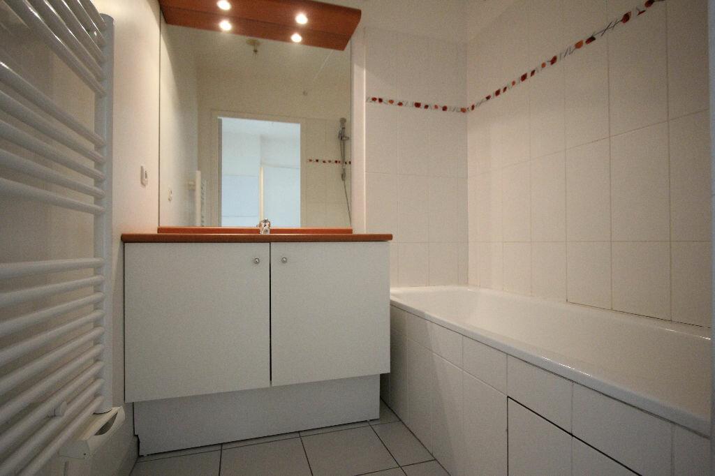 Appartement à louer 2 42.63m2 à Le Plessis-Robinson vignette-4