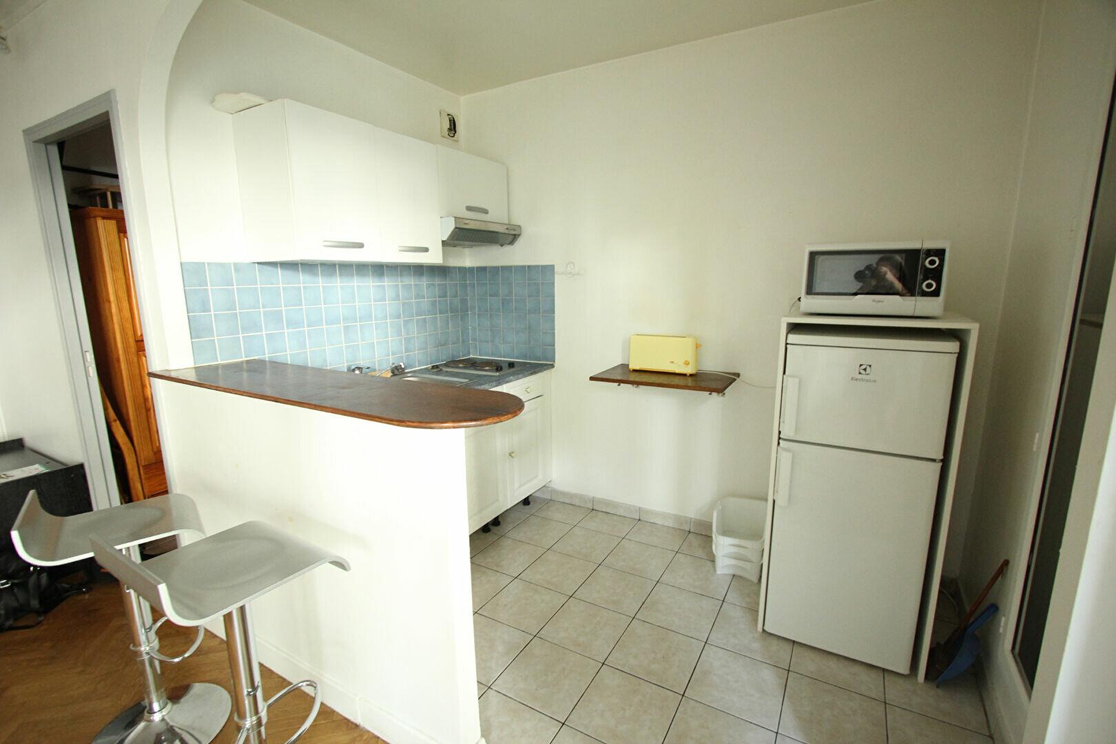 Appartement à louer 1 35m2 à Le Plessis-Robinson vignette-5