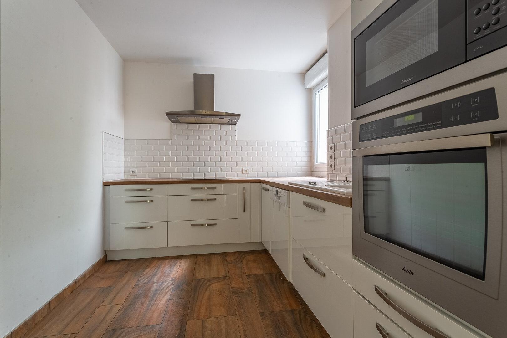Appartement à louer 4 83.87m2 à Le Plessis-Robinson vignette-2