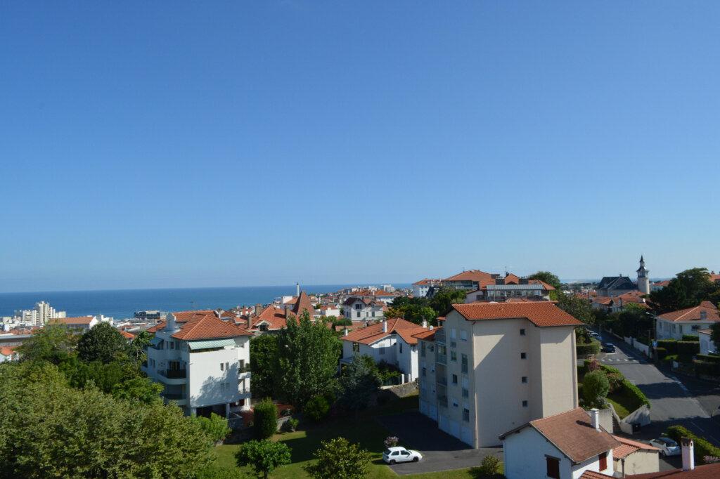 Appartement à vendre 4 83m2 à Biarritz vignette-1