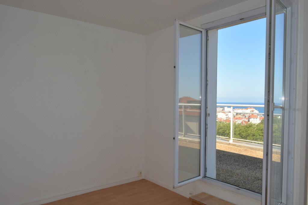 Appartement à vendre 4 83m2 à Biarritz vignette-5
