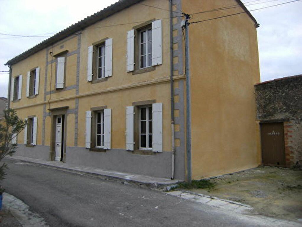Maison à louer 8 244.4m2 à Brugairolles vignette-1