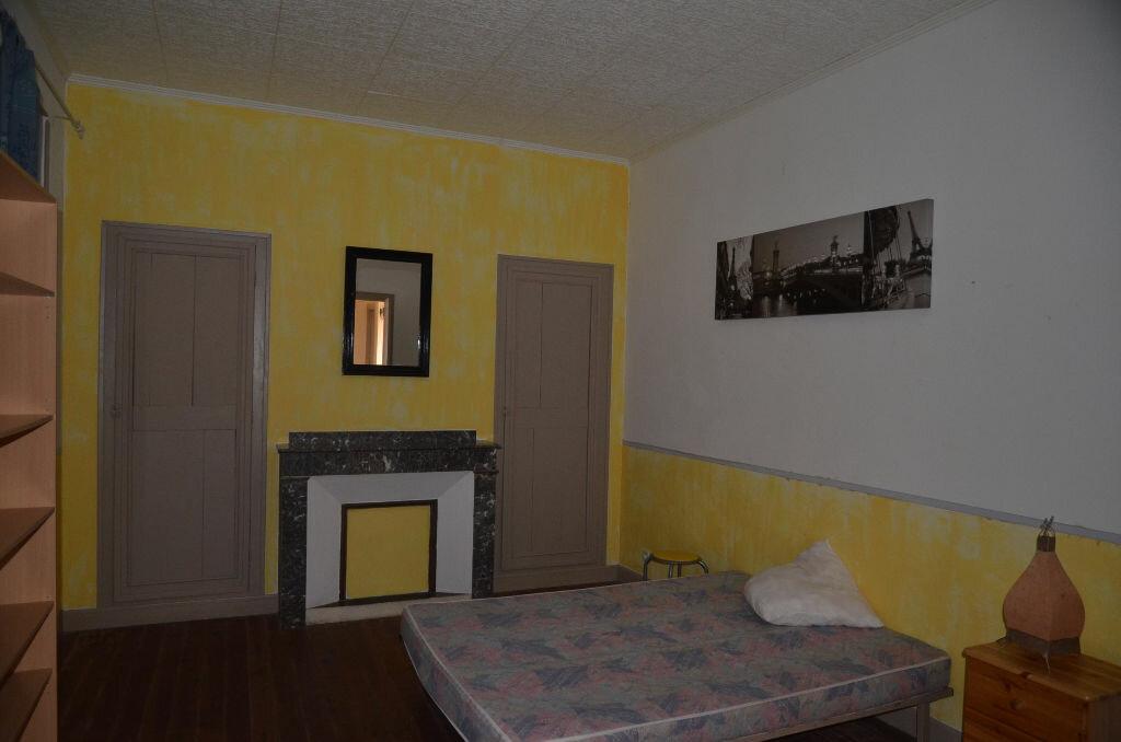 Maison à louer 8 244.4m2 à Brugairolles vignette-8