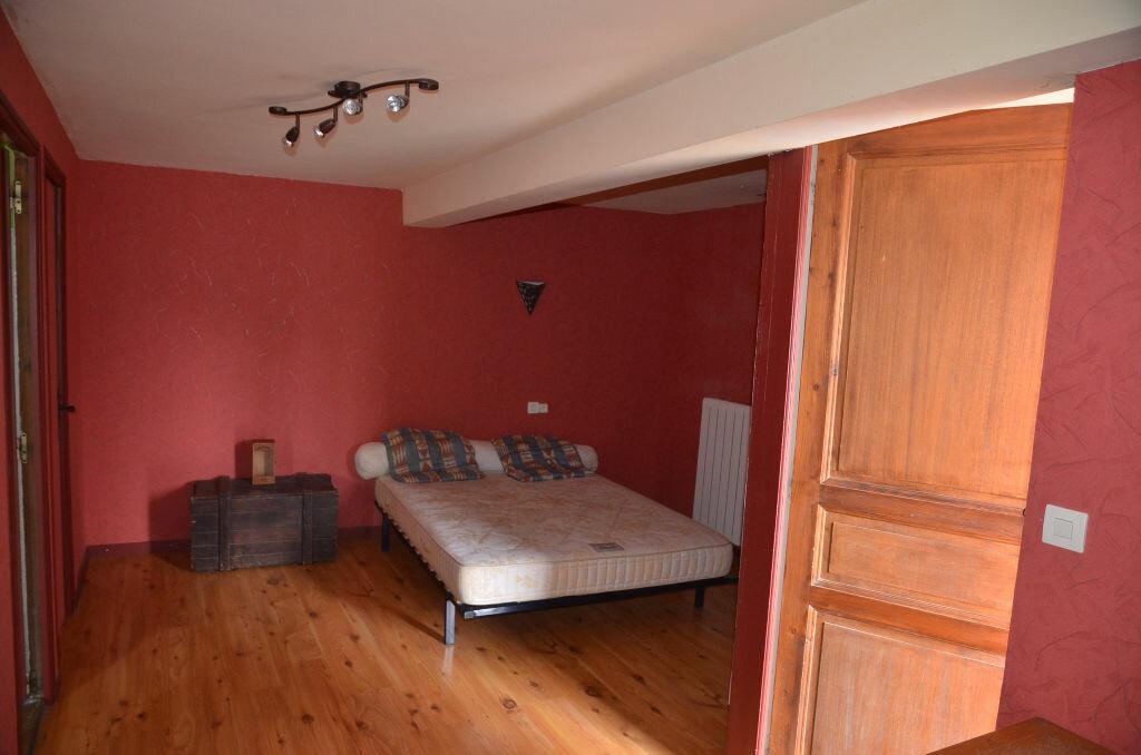 Maison à louer 8 244.4m2 à Brugairolles vignette-14