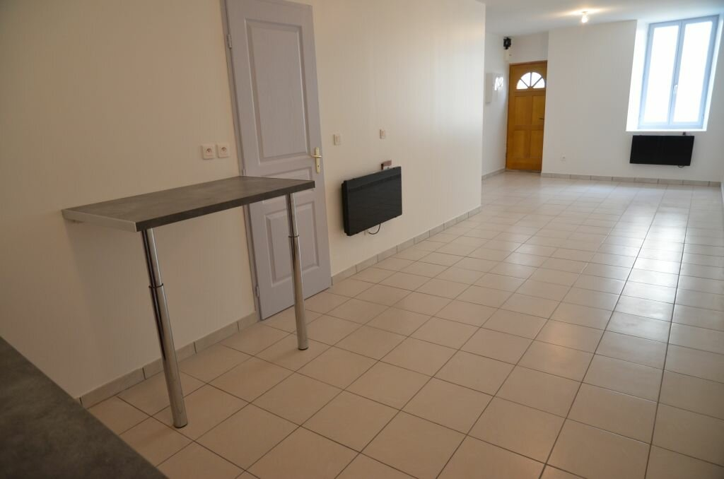 Maison à louer 4 84m2 à Pieusse vignette-1