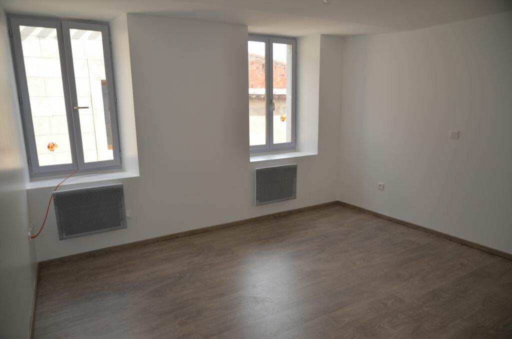 Maison à louer 4 84m2 à Pieusse vignette-2