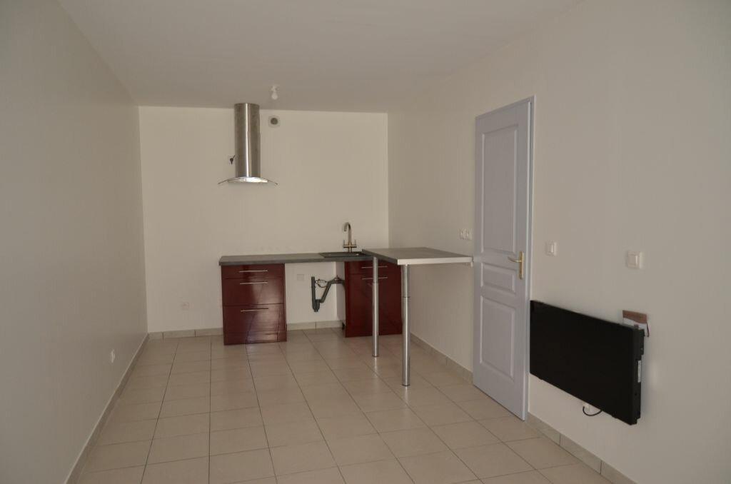 Maison à louer 4 84m2 à Pieusse vignette-4