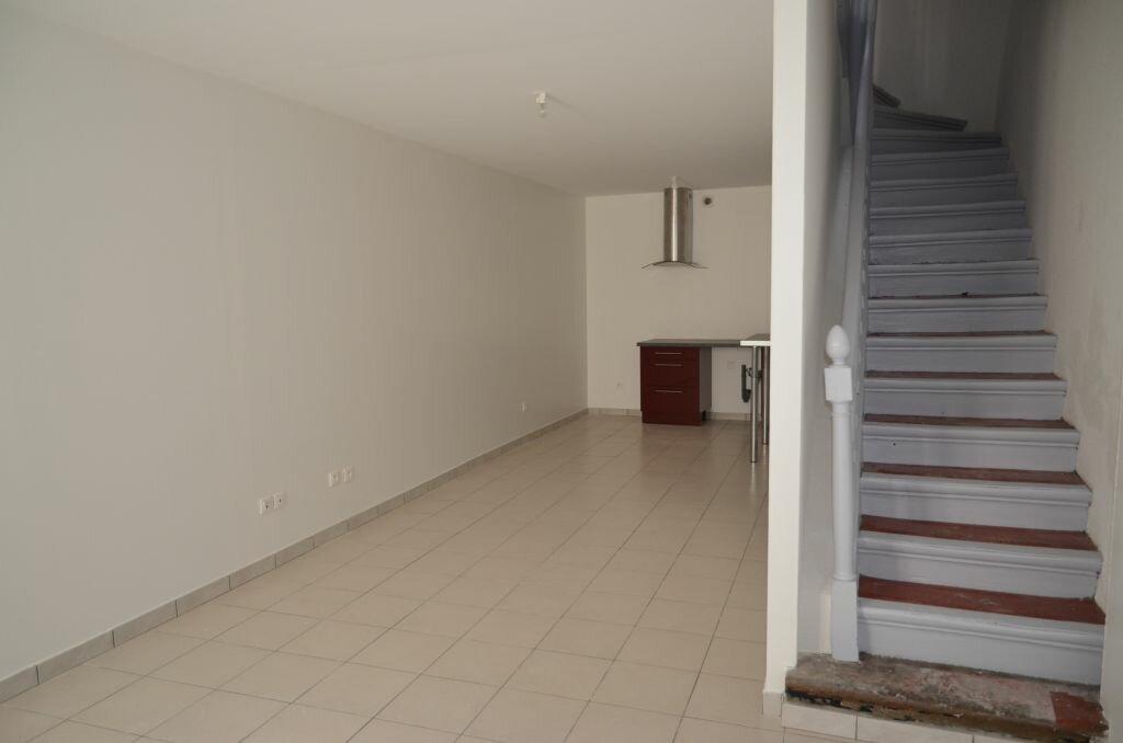 Maison à louer 4 84m2 à Pieusse vignette-6