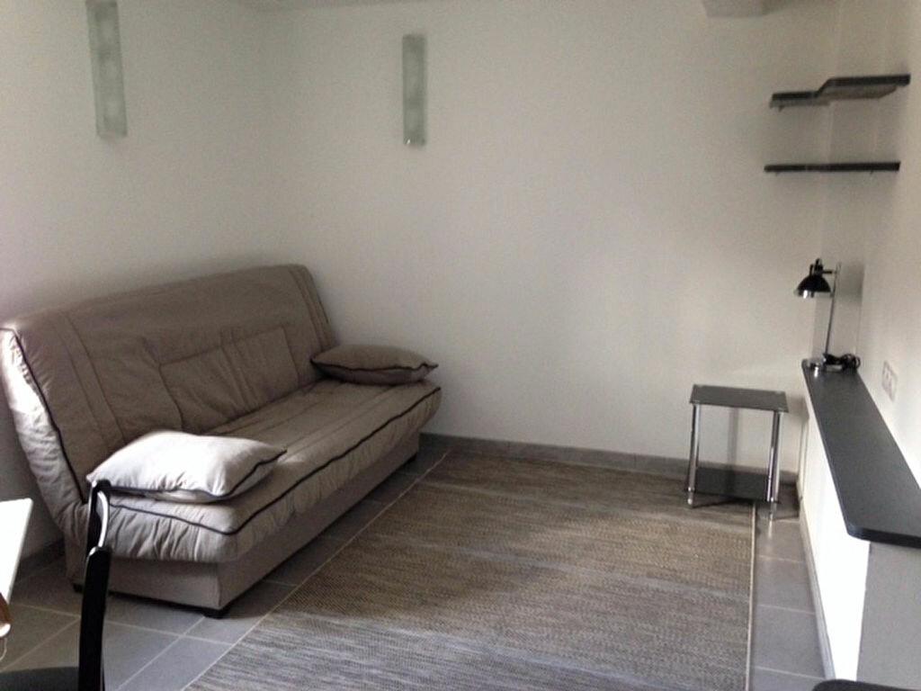 Appartement à louer 1 35m2 à Limoux vignette-1