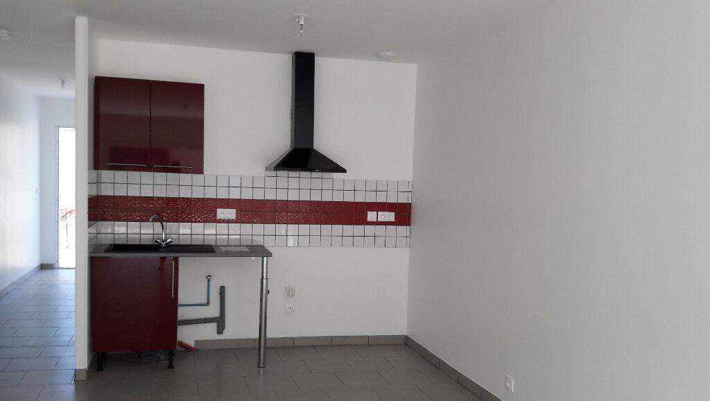 Maison à louer 3 70m2 à Villelongue-d'Aude vignette-2