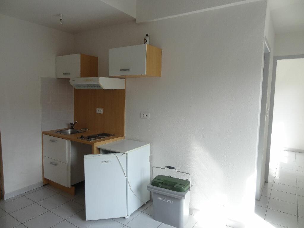 Appartement à louer 2 33.68m2 à Limoux vignette-1