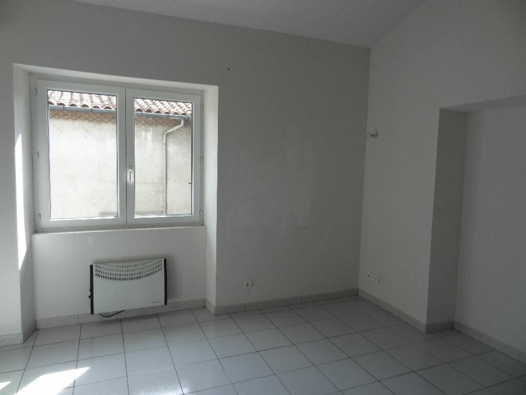 Appartement à louer 2 30.03m2 à Limoux vignette-2