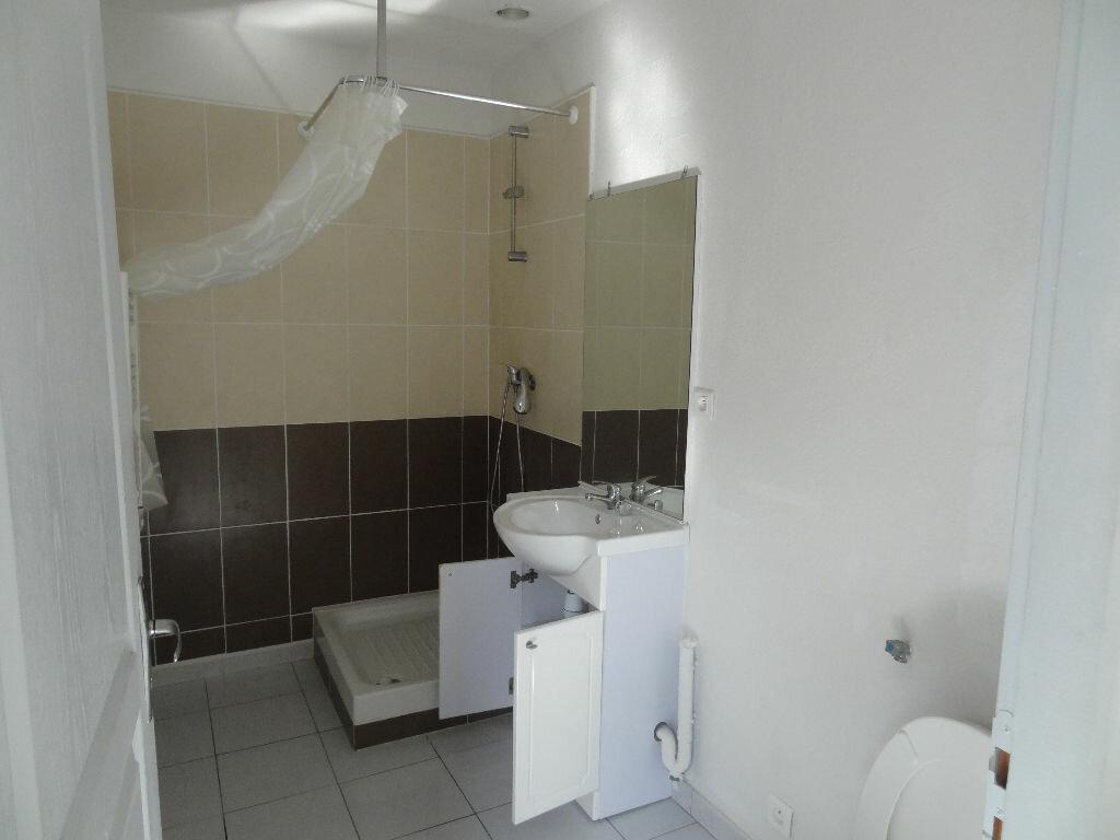 Appartement à louer 2 30.03m2 à Limoux vignette-3