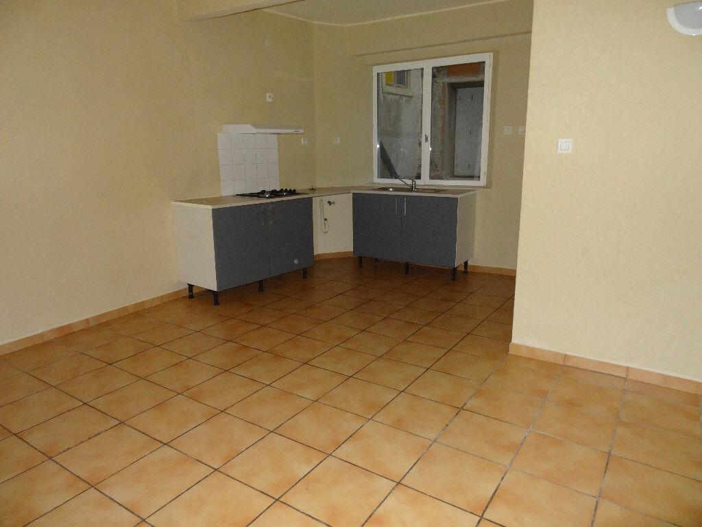 Appartement à louer 1 24m2 à Limoux vignette-1