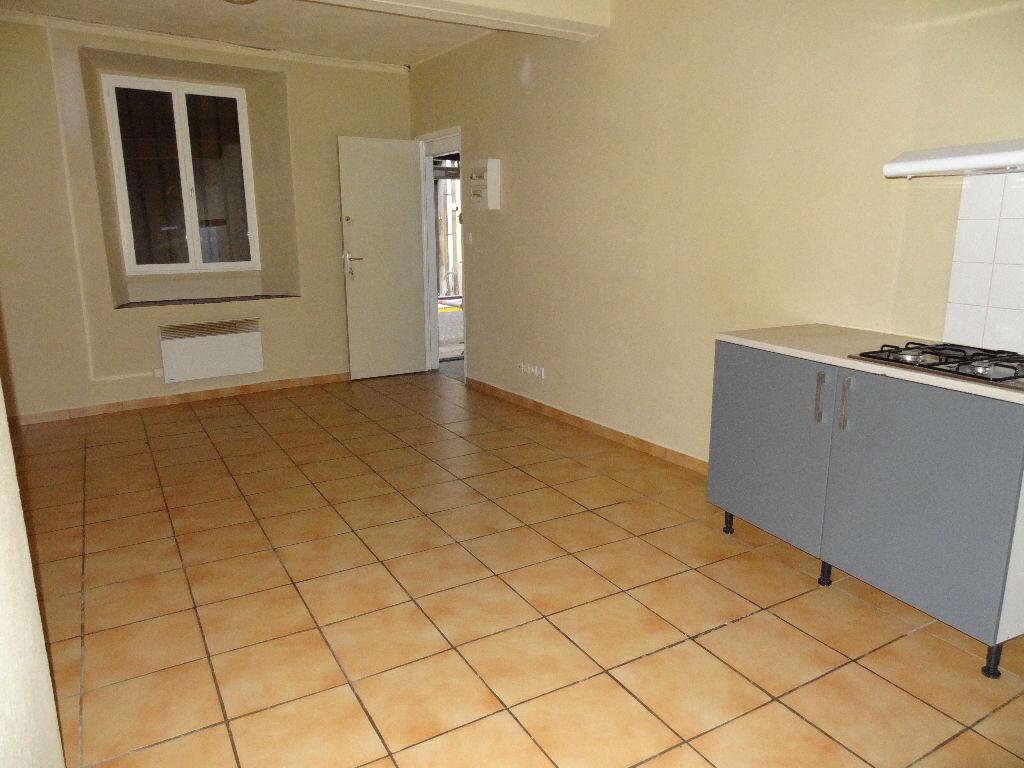 Appartement à louer 1 24m2 à Limoux vignette-3